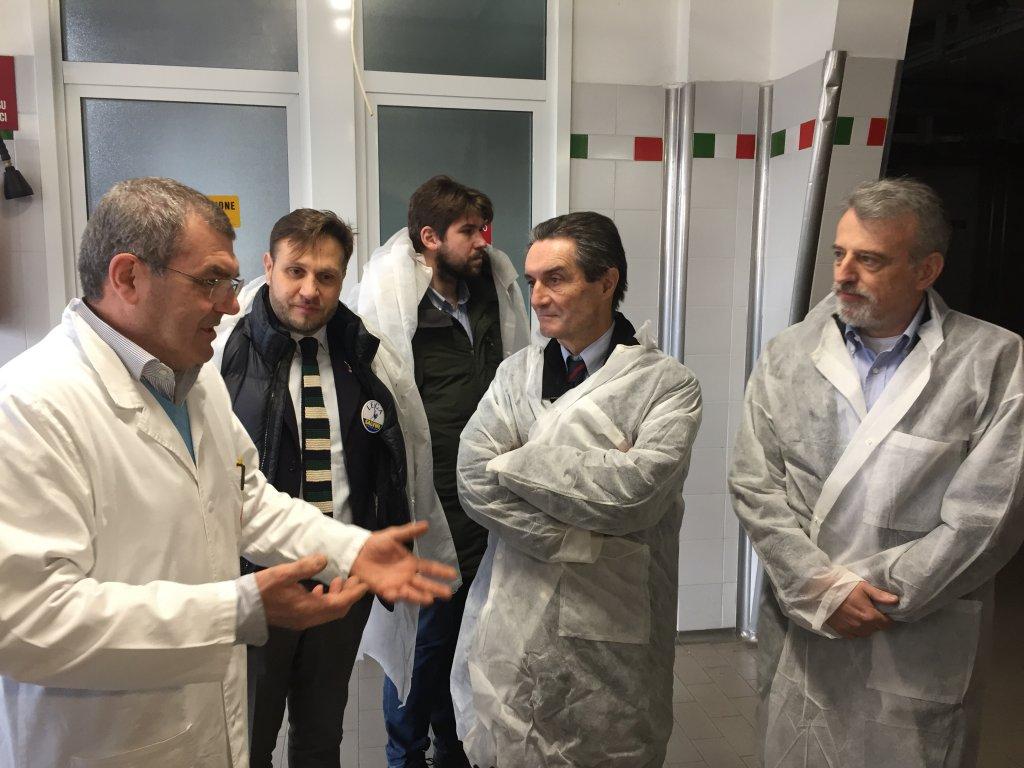 Attilio Fontana e Antonello Formenti in visita alla Marco D'Oggiono Prosciutti
