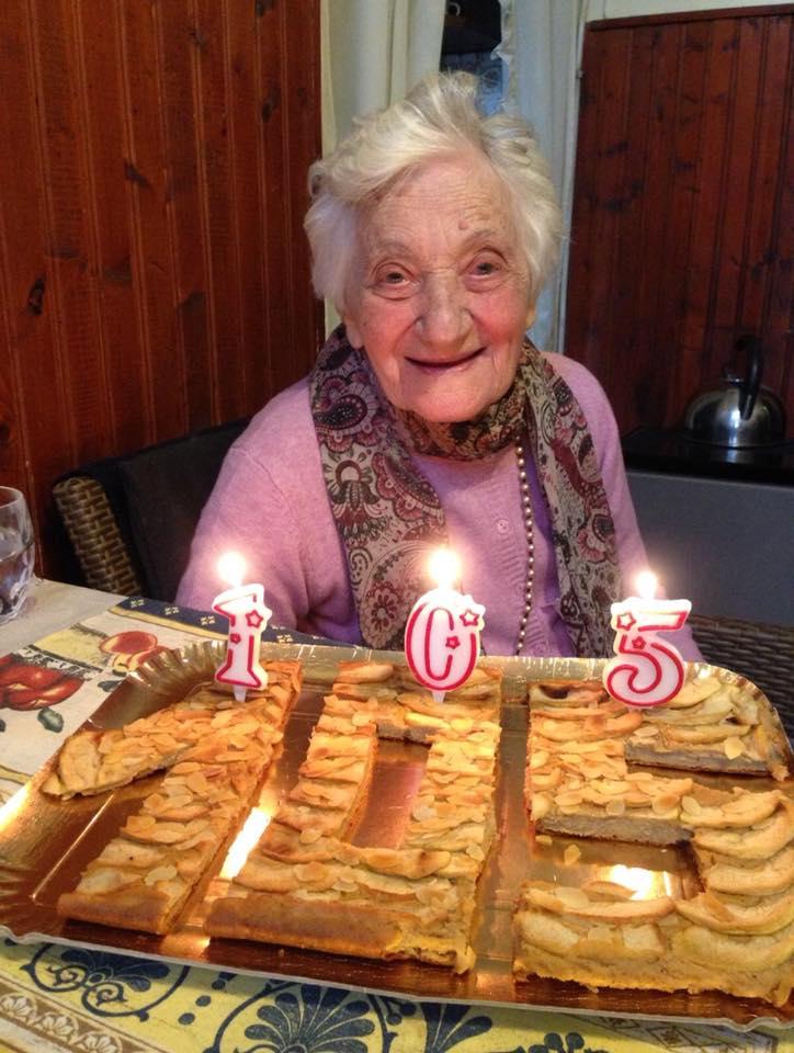 Nonna Florinda e la sua torta di compleanno