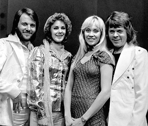 Gli ABBA nel 1974 - foto Wikicommons