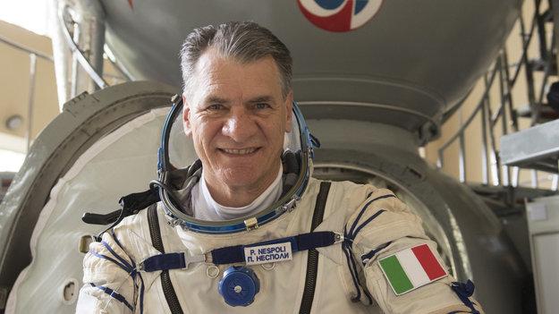 Paolo Nespoli training