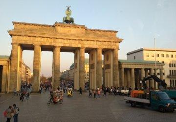 Porta-di-Brandeburgo-360x250.jpg
