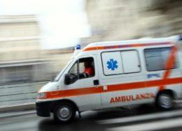 CroppedImage720439-ambulanza-generica-260x188.jpg