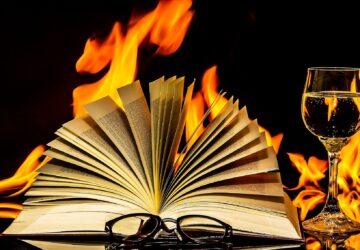 book-2040901_1920-360x250.jpg
