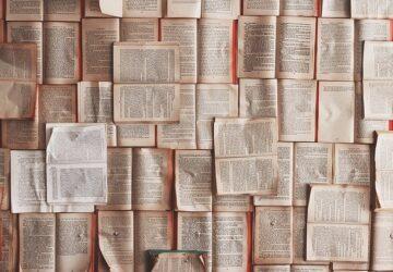 books-1245690_640-360x250.jpg