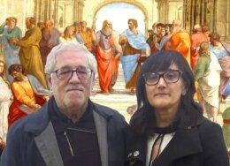 Il-prof.-Silvano-Valentini-e-lassessore-Monica-Conti-davanti-alla-Scuola-di-Atene-di-Raffaello-260x188.jpg