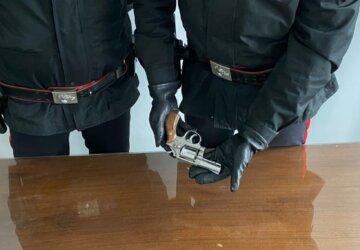 revolver-360x250.jpg