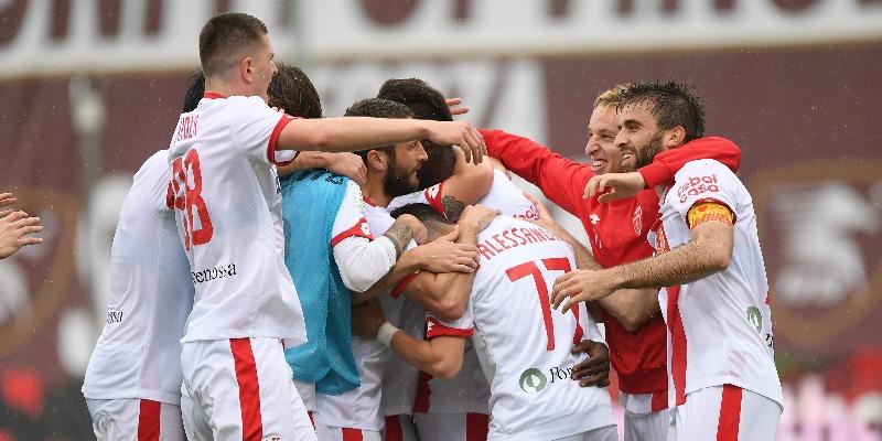 Frattesi e bis di Balotelli, il Monza vince a Salerno ...