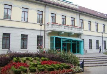 lissone-biblioteca-44-3-360x250.jpg